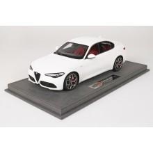 Alfa Romeo Giulia Veloce, Bianco Trofeo - Limited 20 pcs with Display Case by BBR