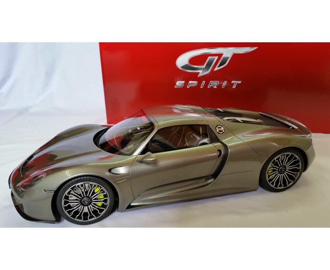 porsche 918 spyder limited 918 pcs with display case by gtspirit scale 1 12. Black Bedroom Furniture Sets. Home Design Ideas